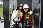Katy Perry saute Du Auckland Harbour Bridge …