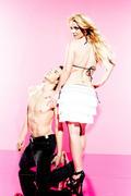 http://img40.imagevenue.com/loc457/th_17664_Britney_Spears_Candies_Photoshoot_2009_13_122_457lo.jpg