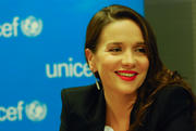 http://img40.imagevenue.com/loc466/th_048265241_Natalia_Oreiro_named_UNICEF_Goodwill_Ambassado2_122_466lo.jpg