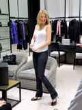 th_71857_78055-blake-lively-candid-chanel-boutique-nyc-09-0_122_659lo.jpg