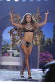 th_02340_Victoria_Secret_Celebrity_City_2007_FS569_123_723lo.jpg