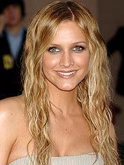 th 10353 ashlee simpson 122 735lo Ashlee Simpson had plastic surgery before