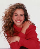 http://img40.imagevenue.com/loc1073/th_03034_juliaroberts012bk_122_1073lo.jpg
